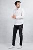 Beyaz Slim Fit Gömlek - Siyah Yırtık Taşlamalı Slim Fit Jean Kombini