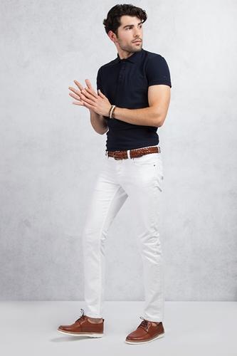 Lacivert Polo Yaka T-shirt - Beyaz Slim Fit Jean Kombin