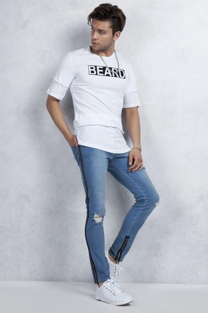 Beyaz Tişört - Mavi Yırtık Fermuarlı Jean Kombin