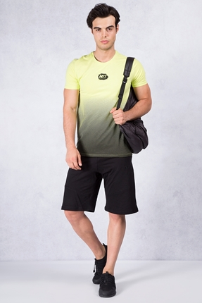 Siyah Şort - Neon Sarısı T-shirt Kombin