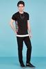 Siyah Yan Baskılı T-Shirt Erkek Kombini