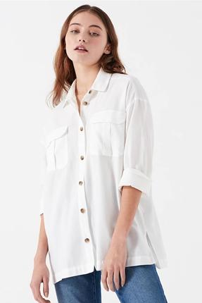 Cepli Beyaz Kadın Gömlek