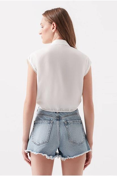 Nakışlı Beyaz Kadın Gömlek